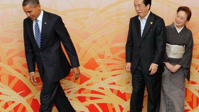 PM Naoto Kan dan istri menyambut Barack Obama, November 2010