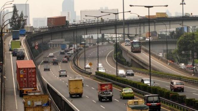Tol dalam kota di kawasan Tomang, Jakarta