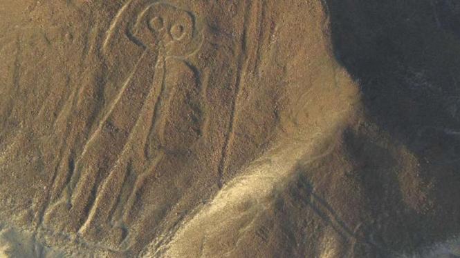 Satu gambar di dataran Nazca Peru yang mirip manusia