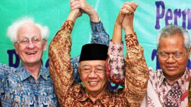 Romo Frans Magnis Suseno, Solahuddin Wahid, Andreas A. Yewanggoe