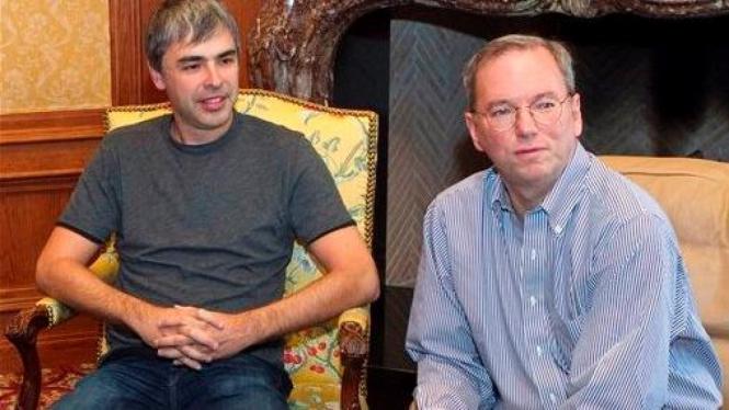 Pendiri Google Larry Page (kiri) bersama Eric Schmidt