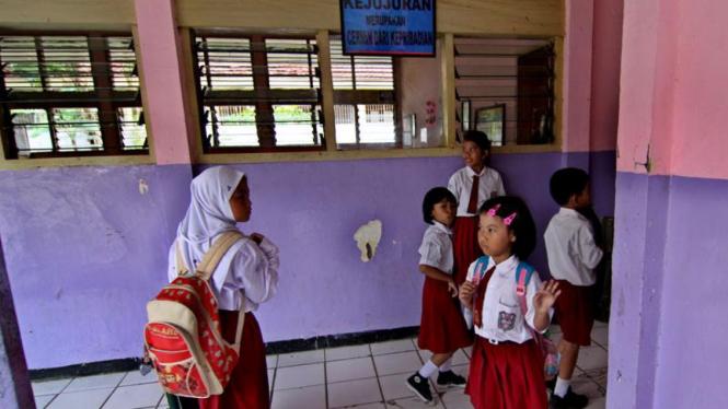 Sekolah Ambruk