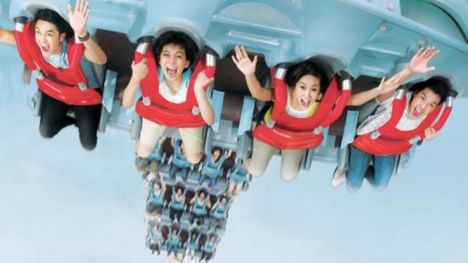 hidup seperti permainan Roller Coaster, naik-turun.