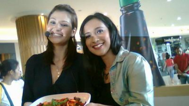 Rima Melati & Shahnaz Haque Pamer Masakan