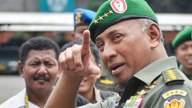 Mantan KSAD Jenderal (Purn) TNI George Toisutta