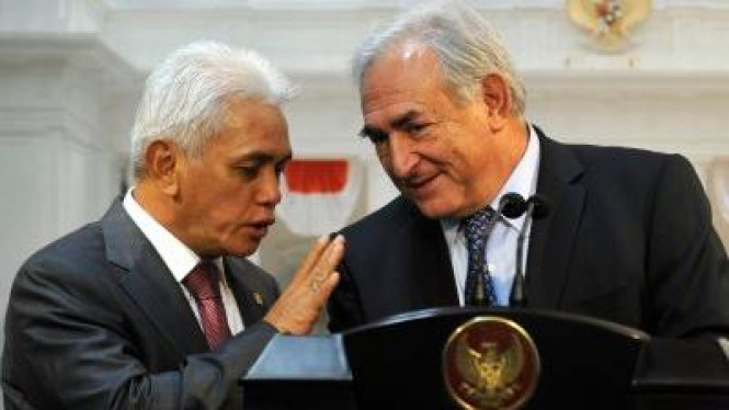 Hatta Rajasa dan Managing Director IMF Dominique Strauss-Kahn