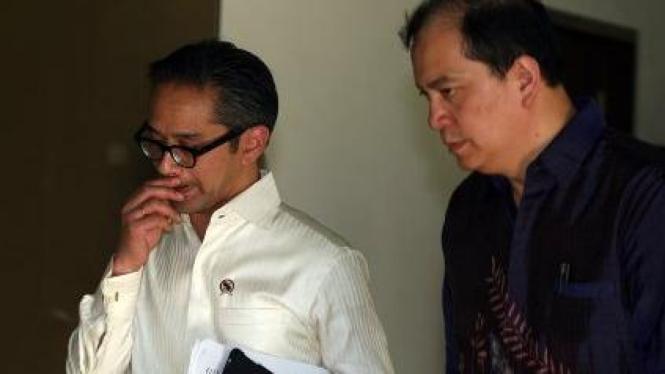 Menteri Luar Negeri Marty Natalegawa dan Juru Bicara Michael Tene