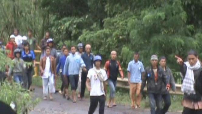 Cuplikan video penyerangan jemaah Ahmadiyah