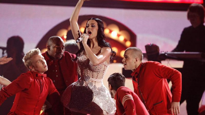 Aksi Katy Perry di Grammy Awards 2011
