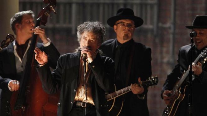 Aksi Bob Dylan di Grammy Awards 2011