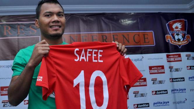 Mohd Safee Kenakan Nomor 10