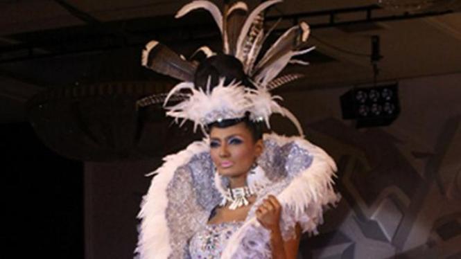 make up show 'The Icon Award'