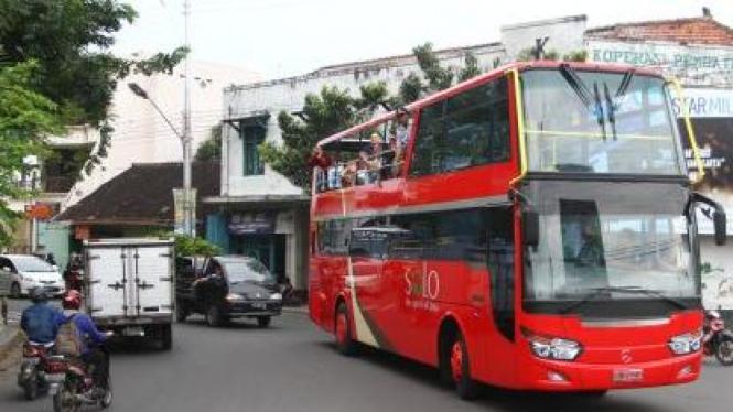 Bus tingkat khusus untuk wisata di Solo