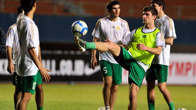 Timnas Turkmenistan saat berlatih di Palembang