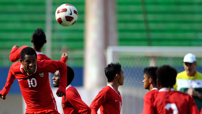Timnas Indonesia saat berlatih di Palembang