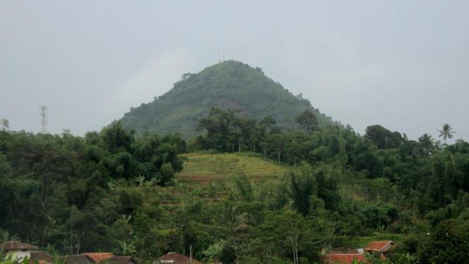 Gunung Lalakon, Bandung.