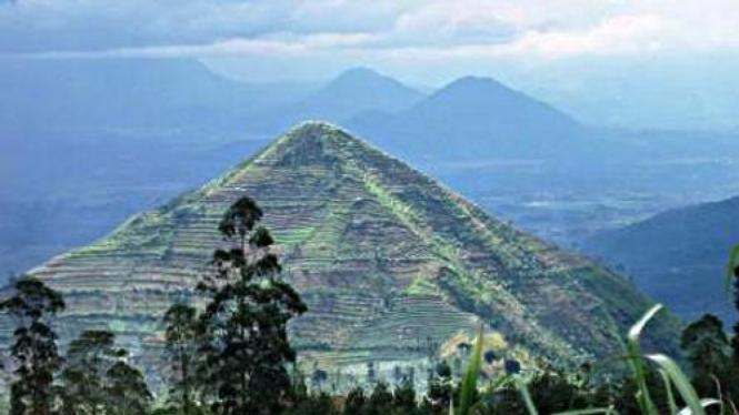 Gunung Sadahurip Garut (Credit: Turangga Seta)