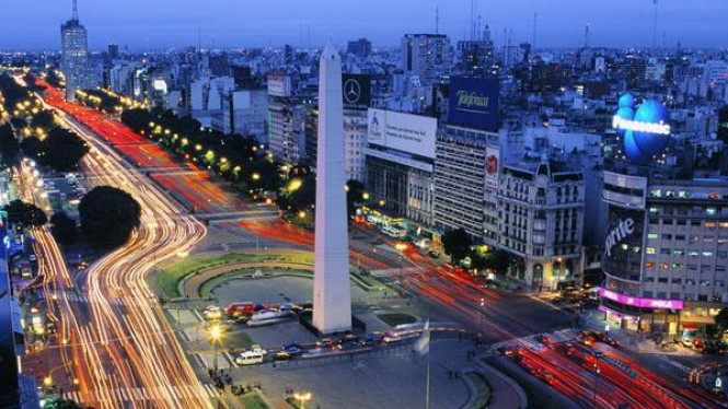 Avenida 9 de Julio, Buenos Aires, Argentina, jalan terbesar di dunia