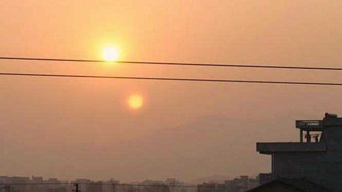 Foto matahari kembar di China