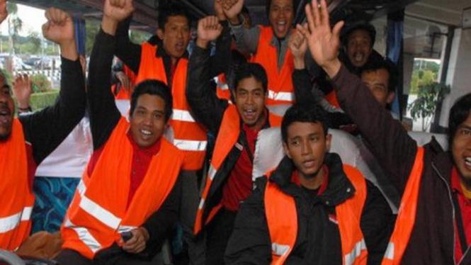 Sejumlah WNI tiba di Indonesia setelah mengungsi dari Libya