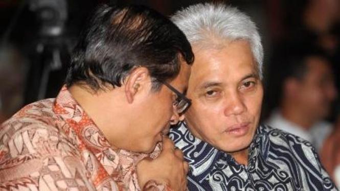 Pramono Anung (PDIP) dan Hatta Rajasa (PAN)