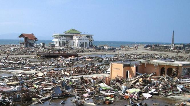 Tsunami di Aceh, 2004