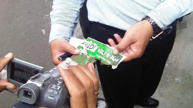 Serpihan 'bom buku' yang dikirim ke rumah Ahmad Dhani