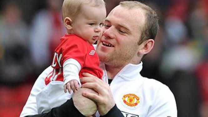 Wayne Rooney dan anaknya, Kai