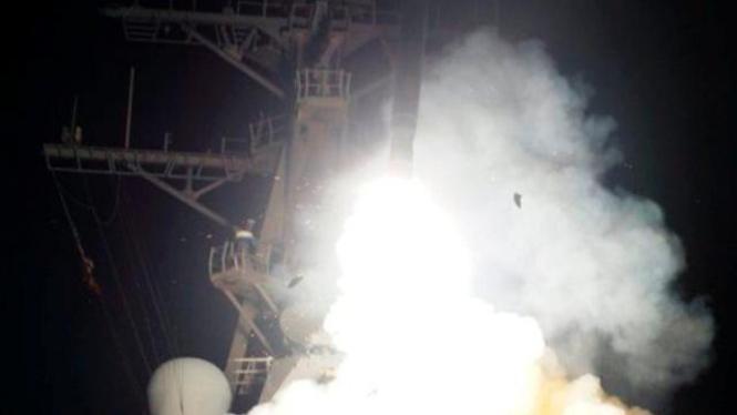 Kapal perang AS menembakkan rudal Tomahawk ke Libya