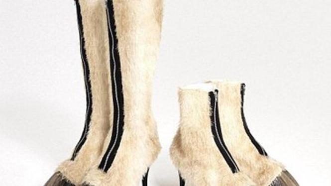 sepatu berdesain alas kaki kuda