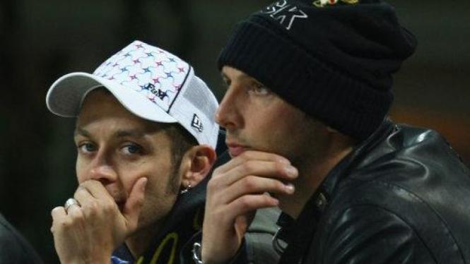 Valentino Rossi bersama bek Inter Milan, Marco Materazzi