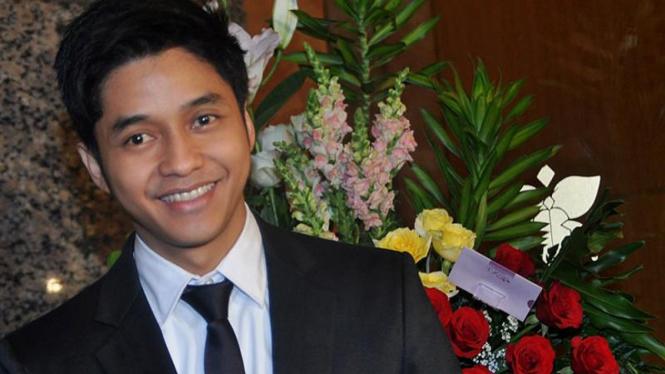Resepsi Pernikahan KD-Raul Lemos; Adly fairuz