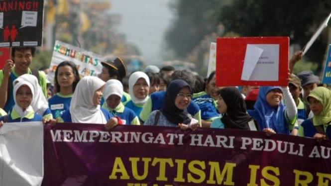 """""""Walk For Autism"""" untuk peringati Hari Peduli Autis Sedunia"""