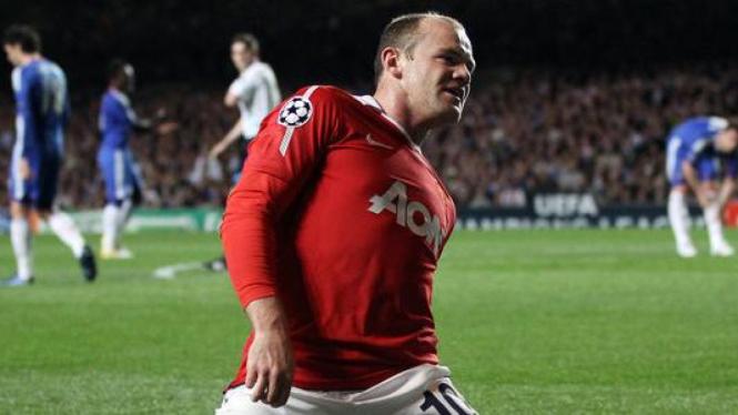 Wayne Rooney usai mencetak gol ke gawang Chelsea
