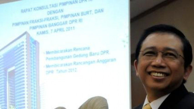 Ketua DPR Marzuki Alie pimpin rapat bahas proyek gedung