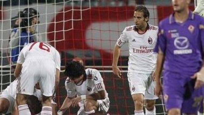 AC Milan merayakan gol Clarence Seedorf