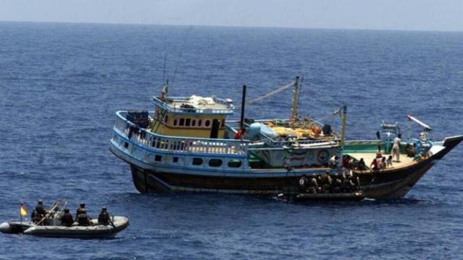 Ilustrasi/Aksi perompakan kapal yang dilakukan oleh warga di Somalia beberapa waktu lalu