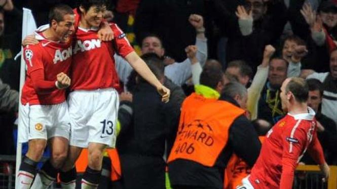 Javier Hernandez, Park Ji-sung & Wayne Rooney