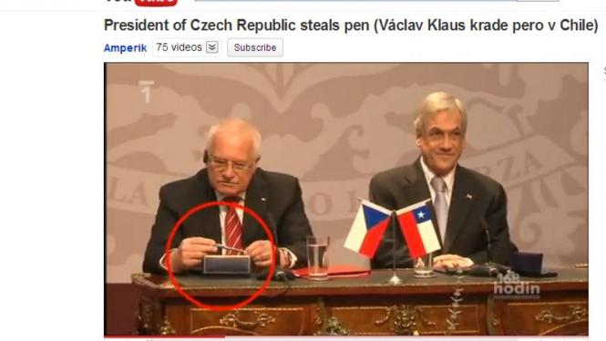 Vaclav Klaus (kiri) bersama dengan Presiden Cile, April 2011