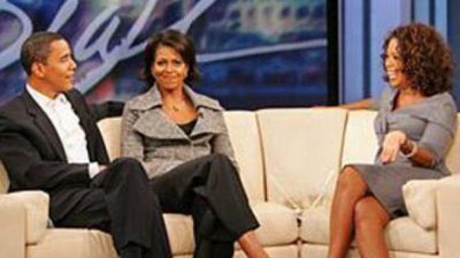 Oprah Winfrey bersama Barack dan Michelle Obama