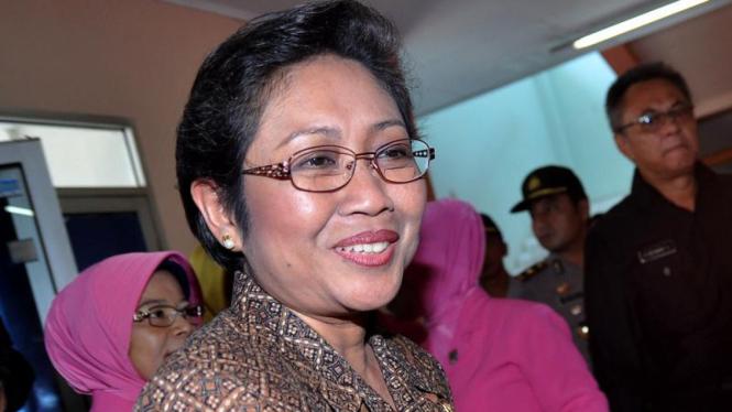 Menkes Kunjungi Korban Bom Mapolresta Cirebon