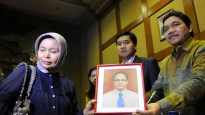 Eci, istri Irzen Octa nasabah Citibank yang tewas dianiaya, dan anggota DPR