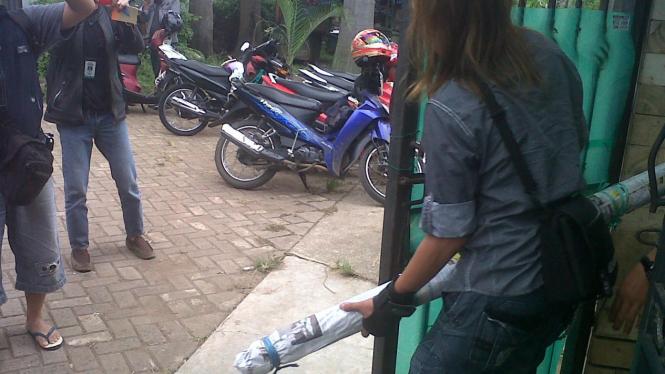 Penggeledahan rumah mertua Pepi Fernando di Bekasi