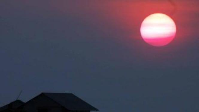 Sunset/ matahari terbenam di penginapan terapung Karimunjawa, Jepara