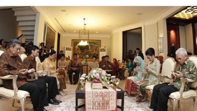 Presiden SBY di acara Lamaran Ibas dengan Aliya Hatta , Selasa (26/4)