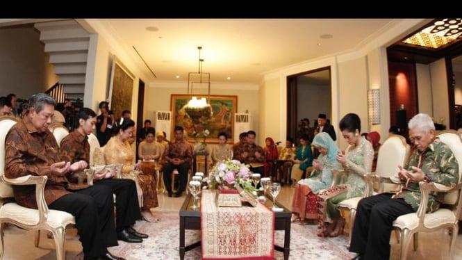 Lamaran Edhie Baskoro Yudhoyono dan Siti Rubi Aliya Rajasa