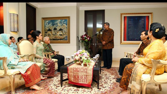 Presiden SBY memberikan sambutan dalam acara lamaran Ibas dan Aliya