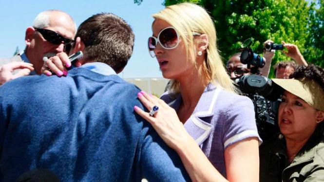 Insiden penyerangan Cy Wait, kekasih Paris Hilton