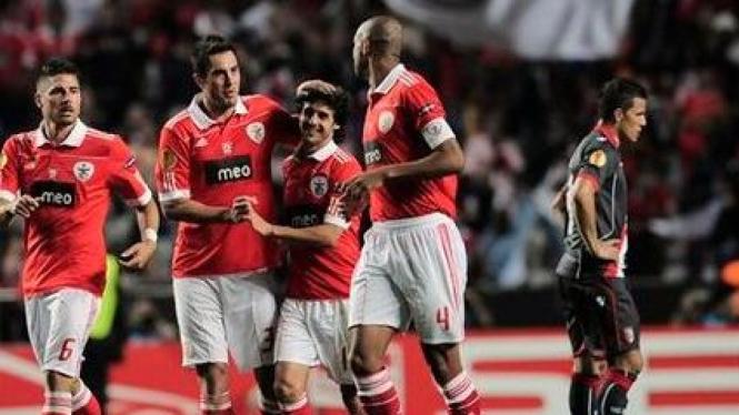 Pemain Benfica rayakan gol ke gawang Braga