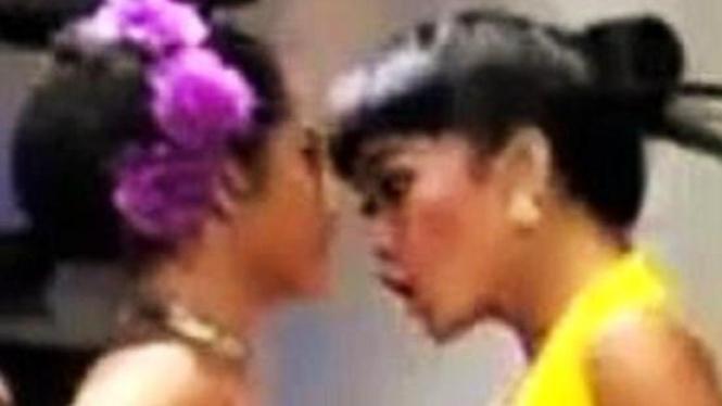 Julia Perez vs Dewi Perssik
